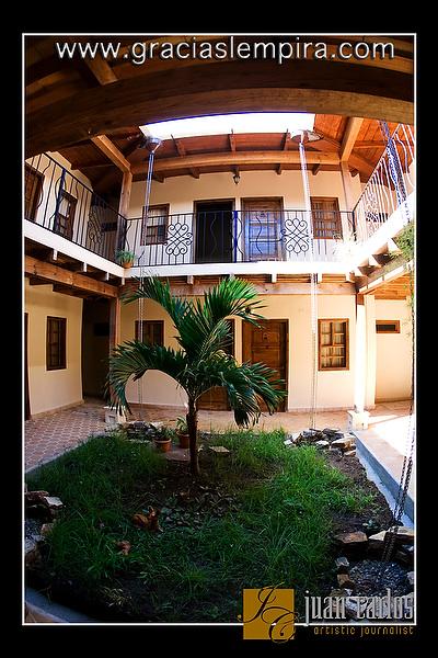 Hotel-Tres-Piedras-Gracias-Lempira-00002