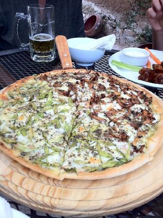 una-de-nuestras-pizzas